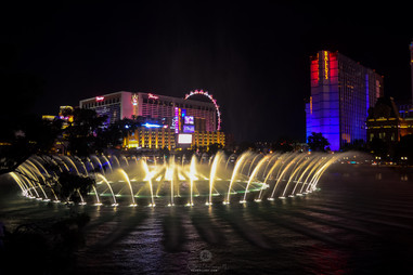 One of the fountain shows in Vegas