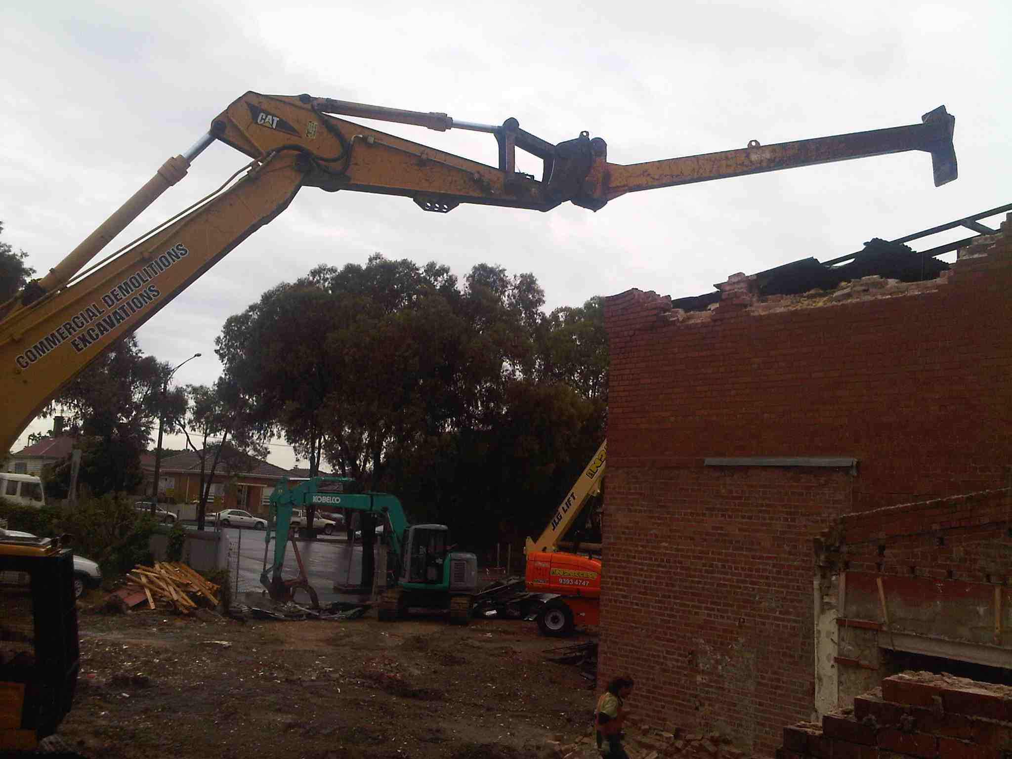 commercial_demolition_excavator_Extension_Brunswick.jpg