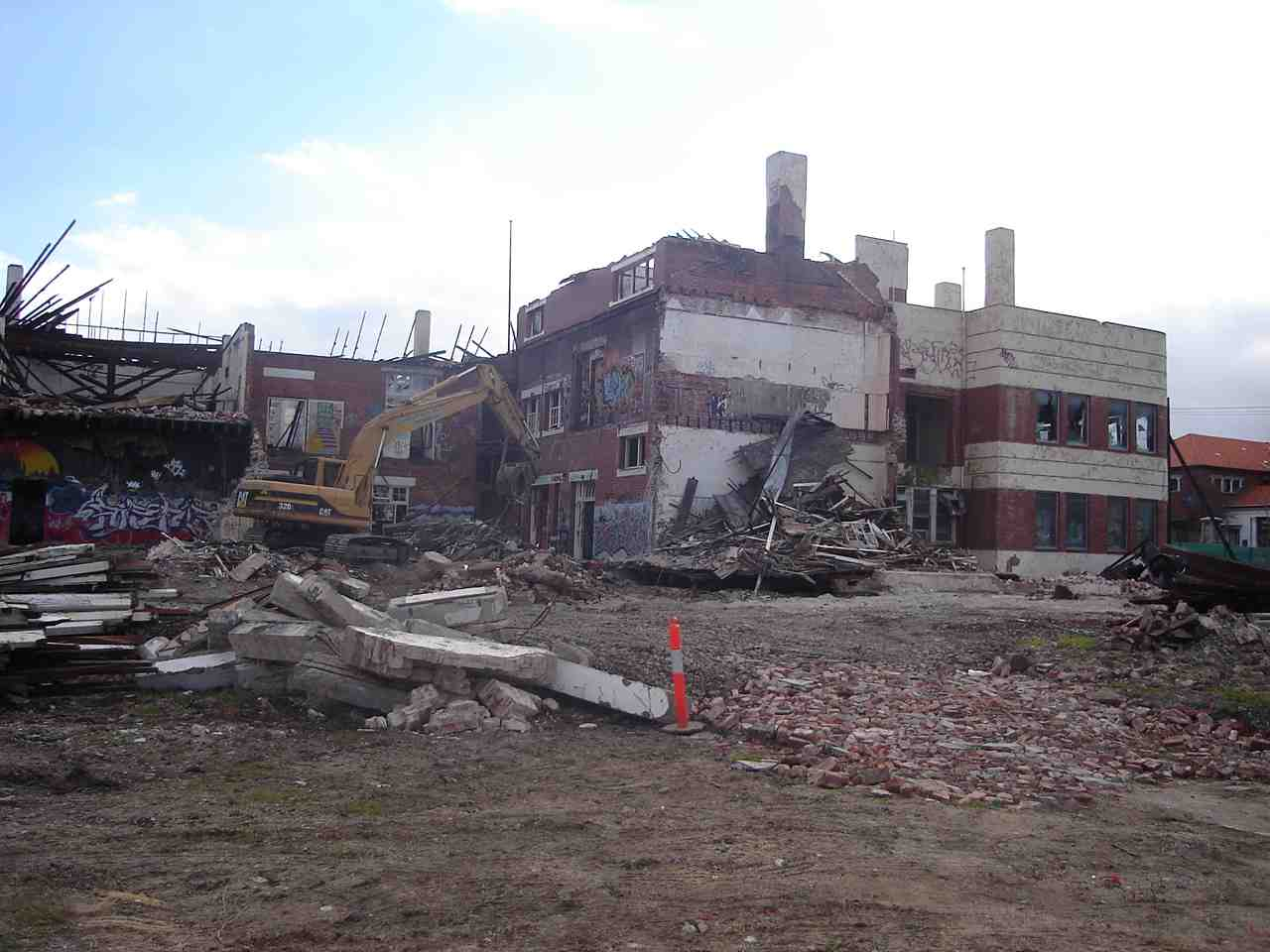 commercial_demolition_CoburgHighSchool_demolition.jpg