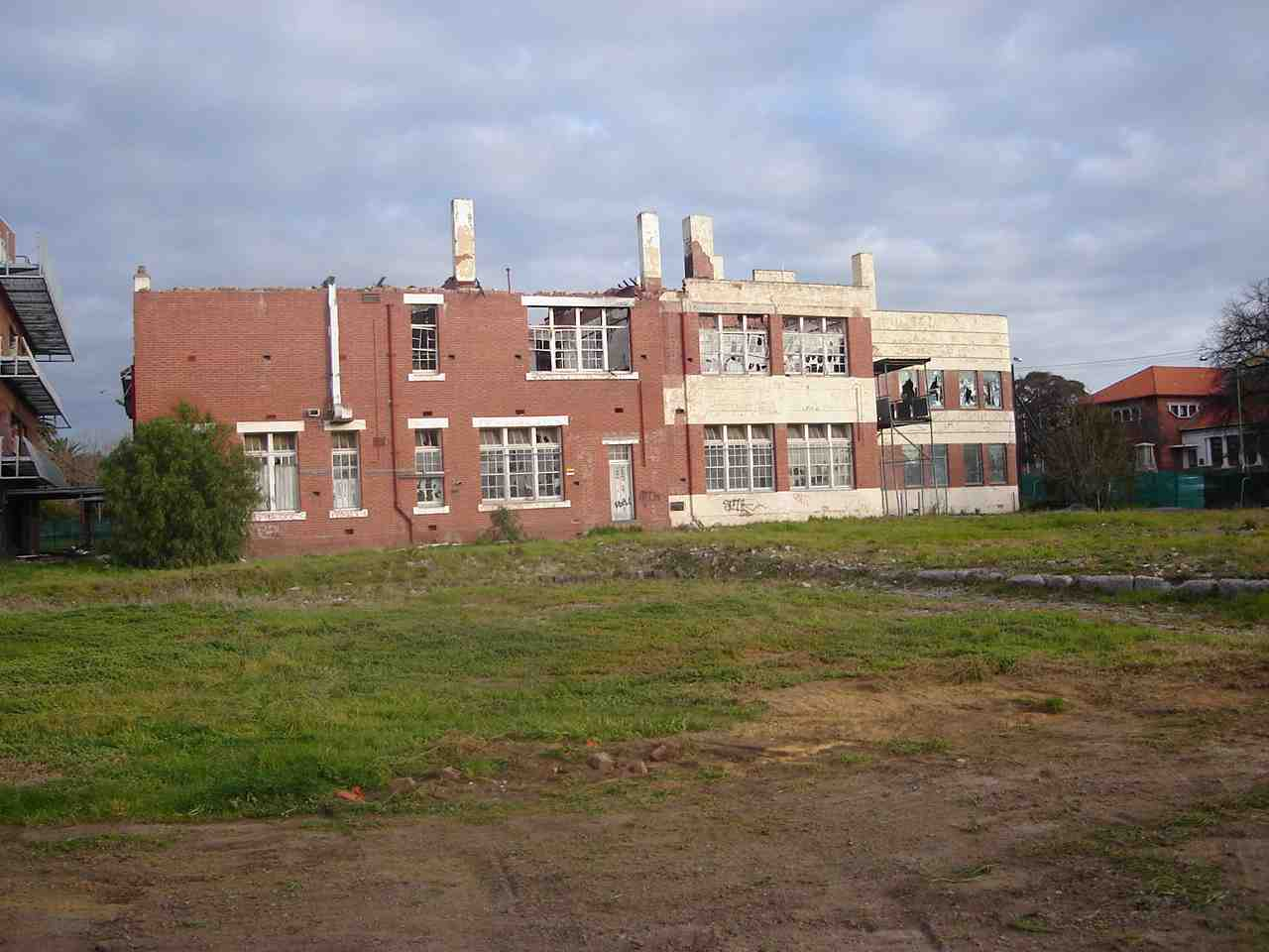 commercial_demolition_CoburgHighSchool_FrontBuilding.jpg