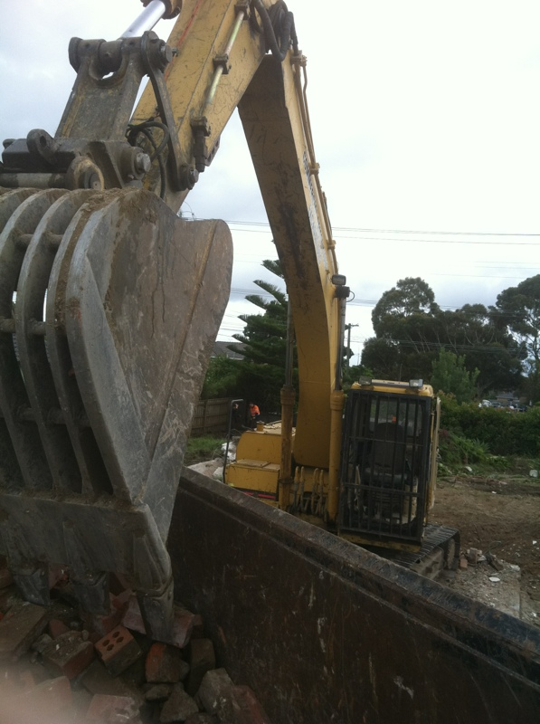 commercial_demolition_excavator3.jpg
