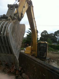commercial_demolition_excavator3.jpg