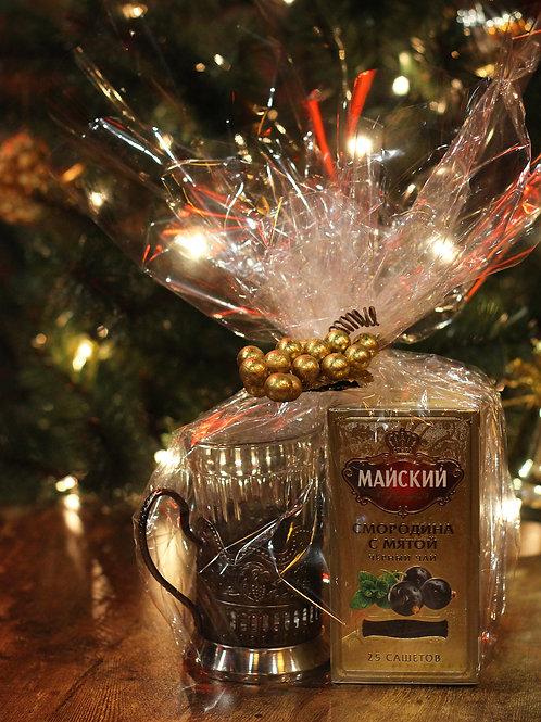 GIFT BUNDLE: Glass Holder + Drinking Glass + Mayskiy blackcurrant & mint tea