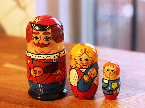 Matrioshkas Family