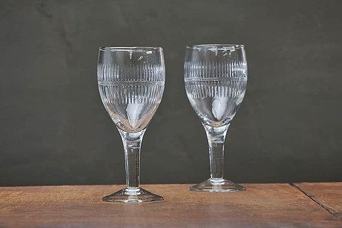 Mila Wine Glass (Clear)