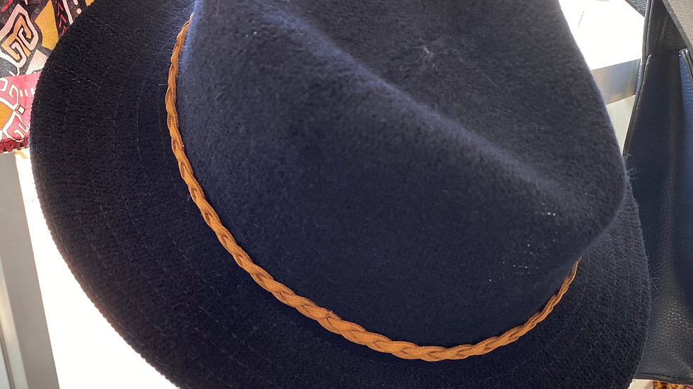 Powder Hat with Hat Box