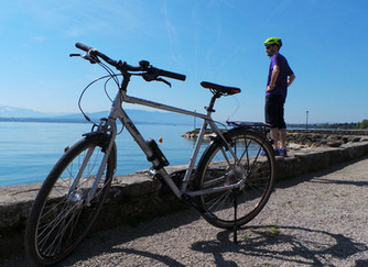 How to do an international cycling day trip by plane!