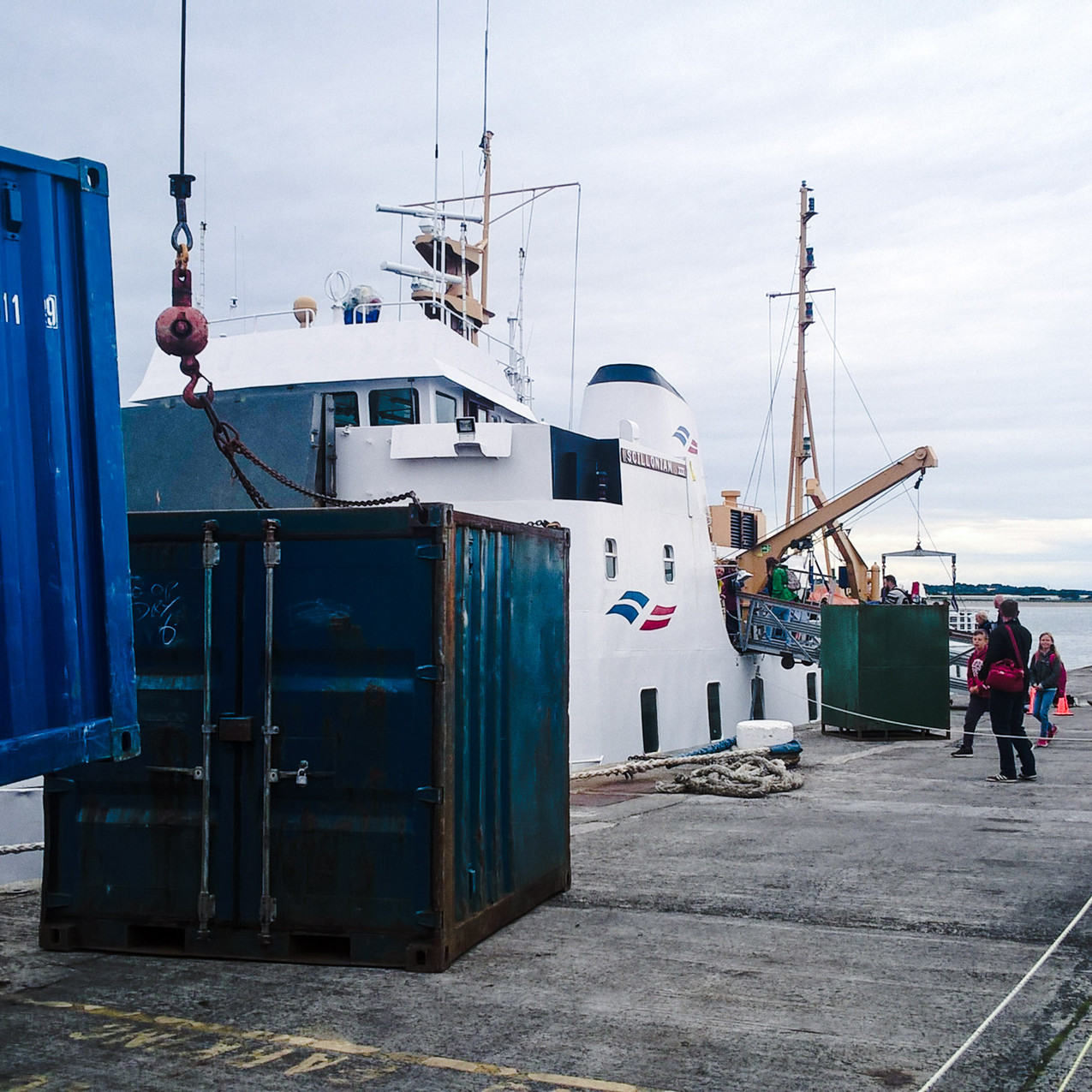 Loading the Scillonian III