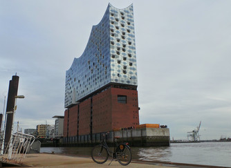 Cycling in Hamburg and the Elbphilharmonie