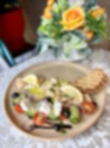 Кальмары с мятой и греческим салатом.jpg