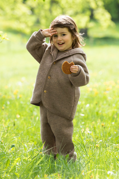 Hooded jacket with wooden buttons