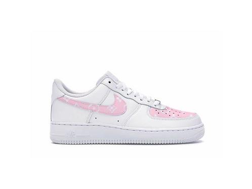 Nike Air Force 1 LV Pink