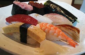 握り寿司8貫+手巻き1本 1000円