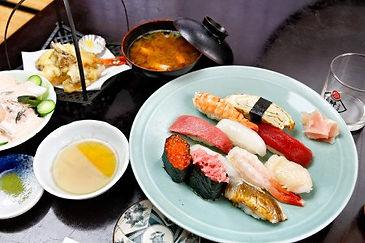 握り寿司11貫+天麩羅盛り合わせ 2000円