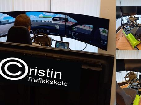 Vi tilbyr GRATIS kjøretimer i simulator! 😁