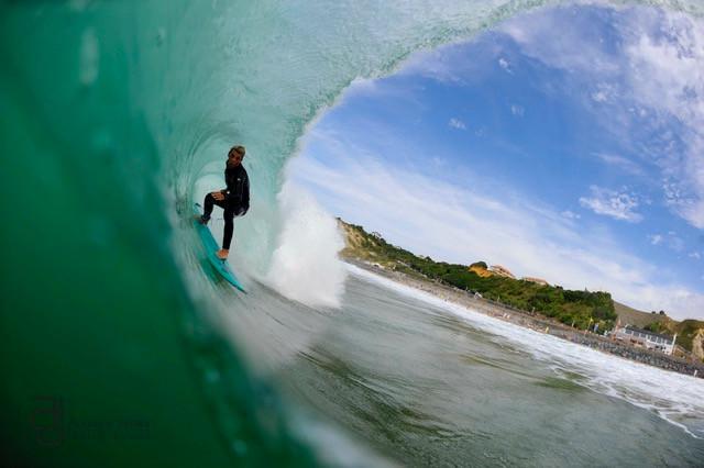 Thomas la Fonta surfing in bidart