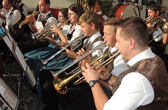 21_09_03_schlosskonzert (17).JPG