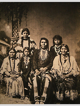 Chief_Joseph_and_family wiki.JPG