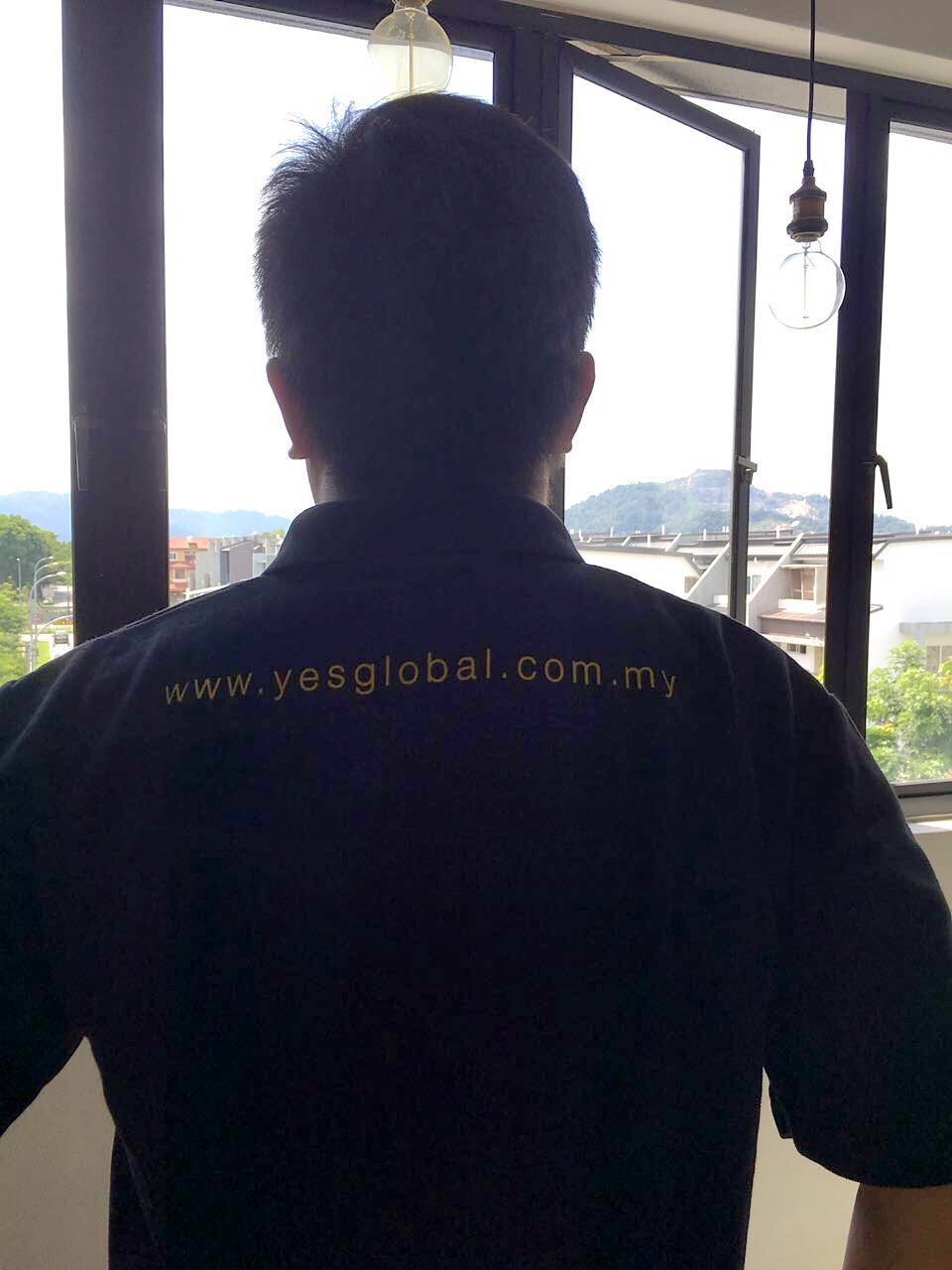 YES GLOBAL T-shirt