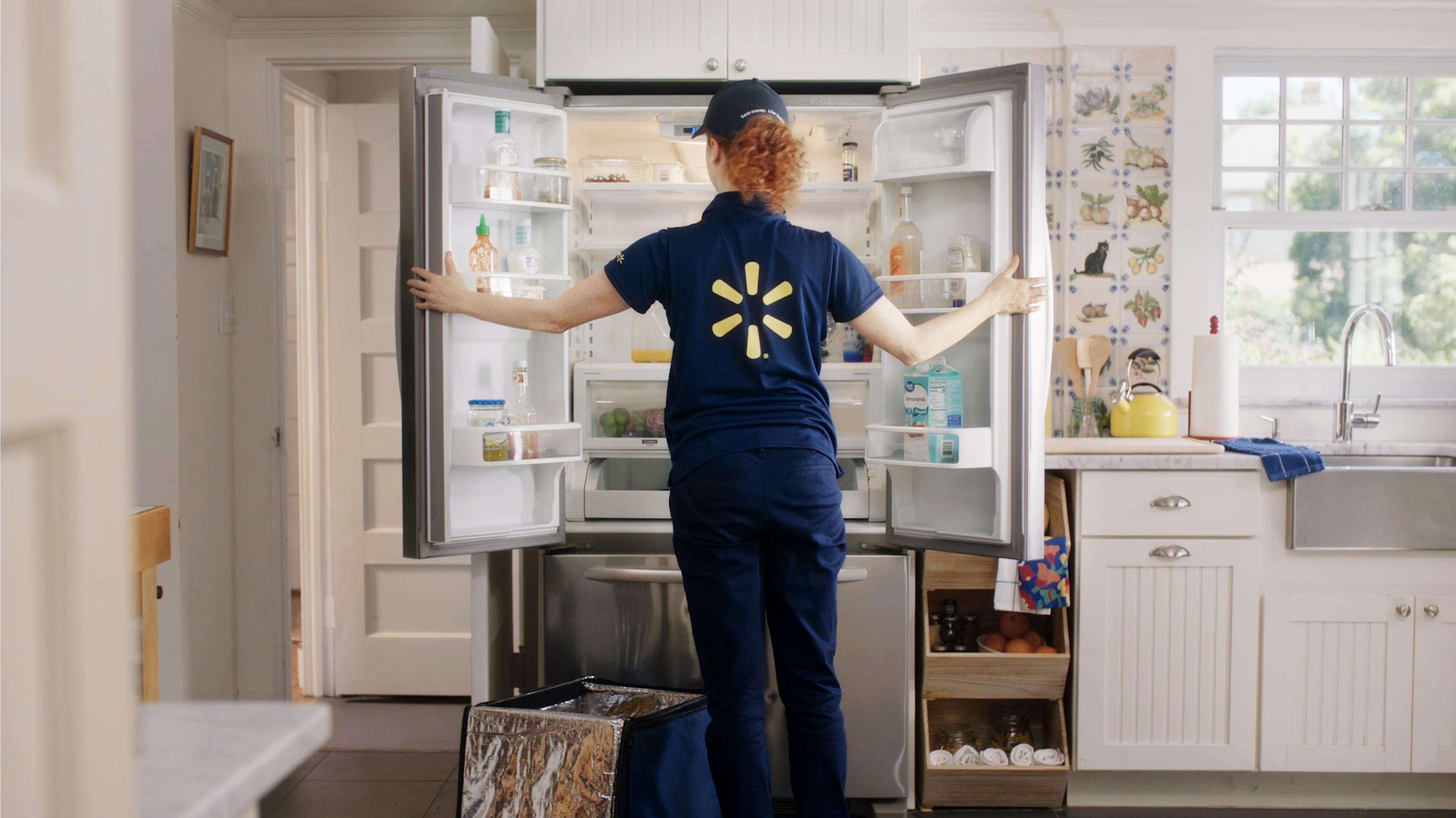 C02-Walmart-InHome-Another_Associate_Sto