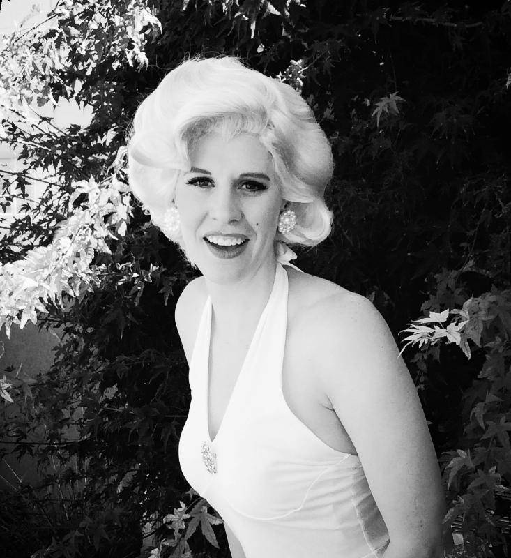 Marilyn Monroe Singing Telegram