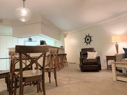 Breakfast & Living Area