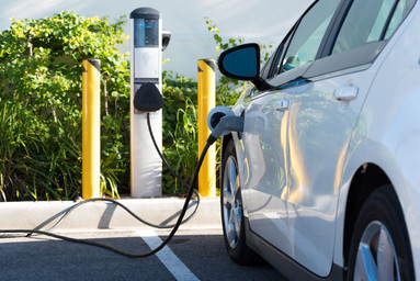 Electric Vehicle Registration Tax to Go into Effect in 2020