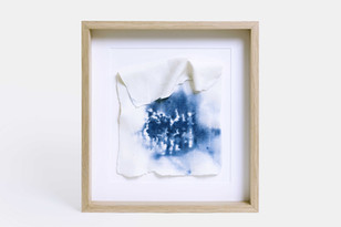 Porcelain sheet with manual print and cobalt stain.