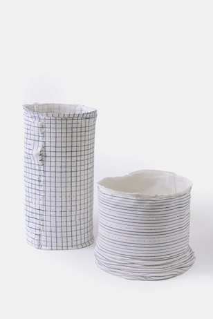 Porcelain with manual print