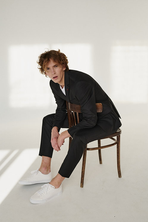 Базовый серый костюм