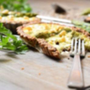 Tartelette à l'asperge et aux pignons de
