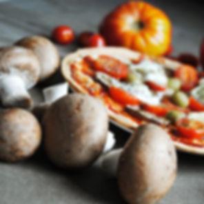 Pizza légère au chèvre sur une pâte à to