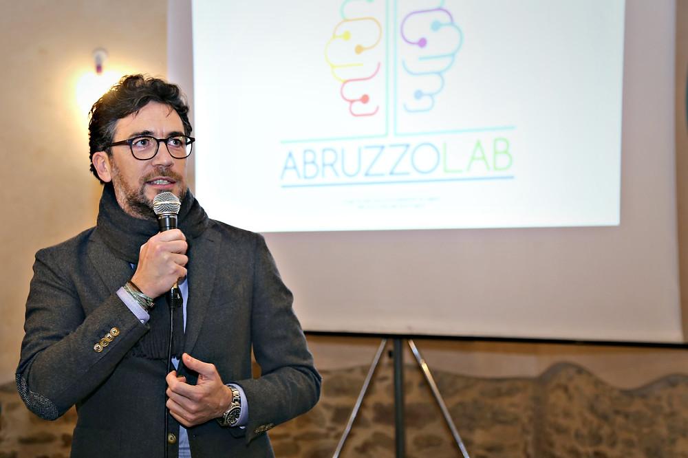 Domenico Di Francescanronio, presidente AbruzzoLab, durante l'inaugurazione