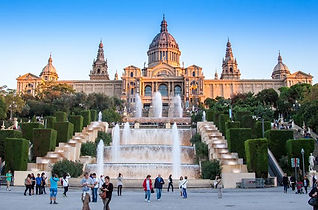 barcelona-highlights-small-group-city-to
