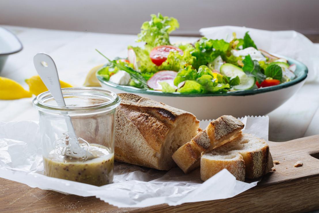 Salat und Brot