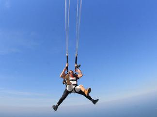 Que tal um salto de Paraquedas?