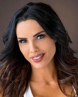 Carmella-Headshot_web_03.jpg