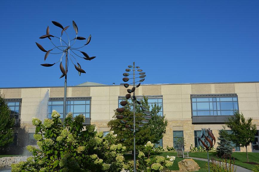 ветряные скульптуры в ландшафтном дизайне