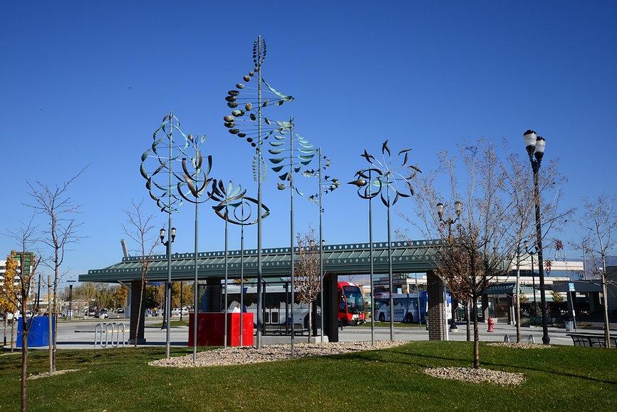 медные ветряные скульптуры
