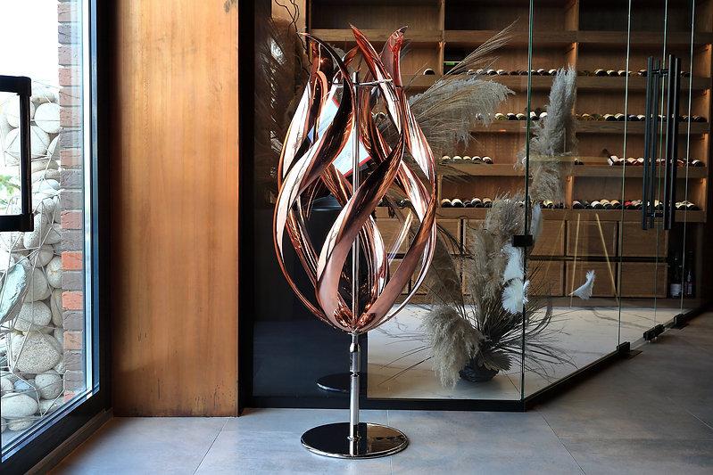 Ветряная скульптура в интерьере