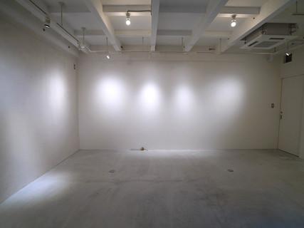 入口からの眺め 壁面 #2, #3 / View from the entrance.  Walls # 2, # 3