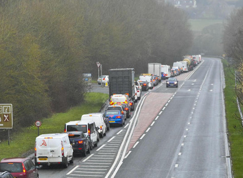 Bridport News reports on traffic chaos 1st day of roadworks on the A35 through Chideock