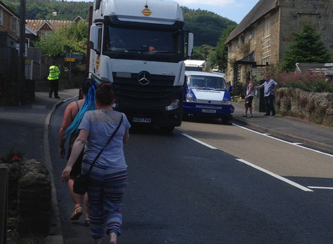Lunchtime on Friday 29 June stuck in Traffric on bridport bypass,why broken down vehicle the centre