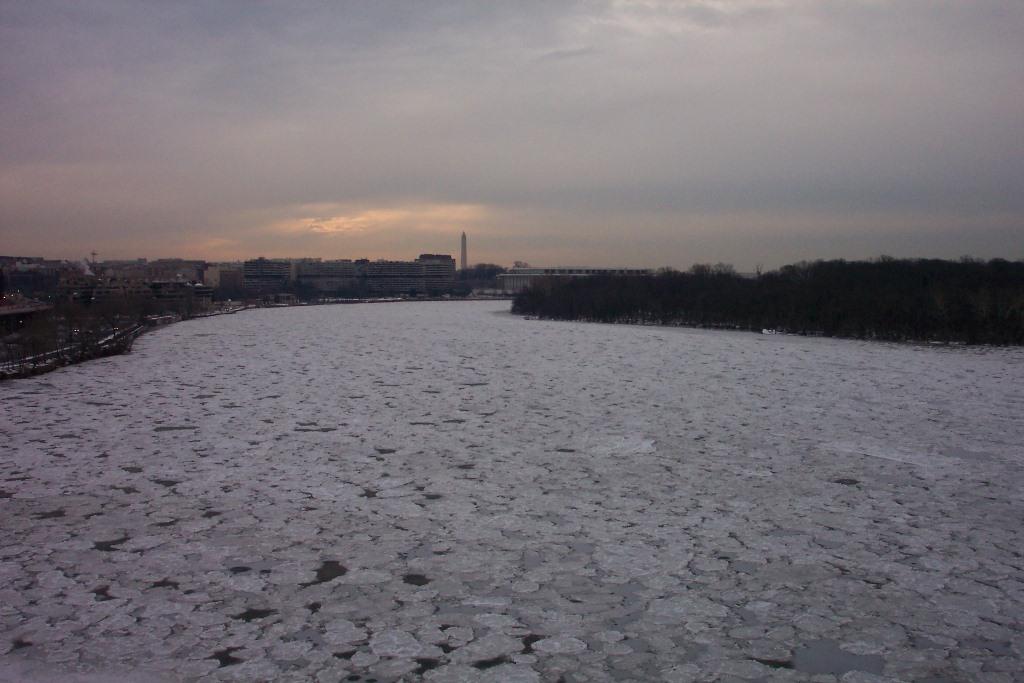 Potomac River Frozen Over