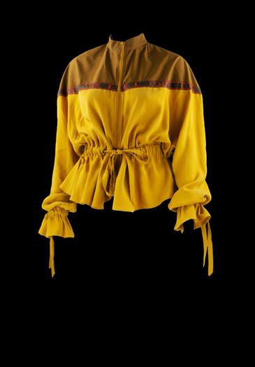 gelbe Jacke auf schwarz.jpg