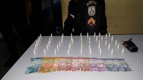 TRÊS RIOS: Homem preso com cocaína no bairro Vila Isabel