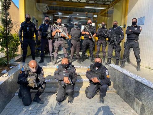 TRÊS RIOS: Dupla é presa em flagrante por tráfico de drogas no bairro Pilões