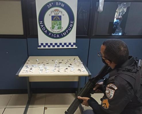 PARAÍBA DO SUL: 60 pinos de cocaína apreendido pela PM no bairro Volante