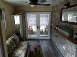 Houseboat Livingroom