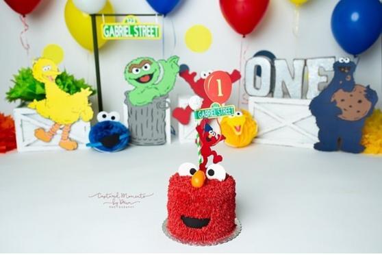 Elmo Cake.png